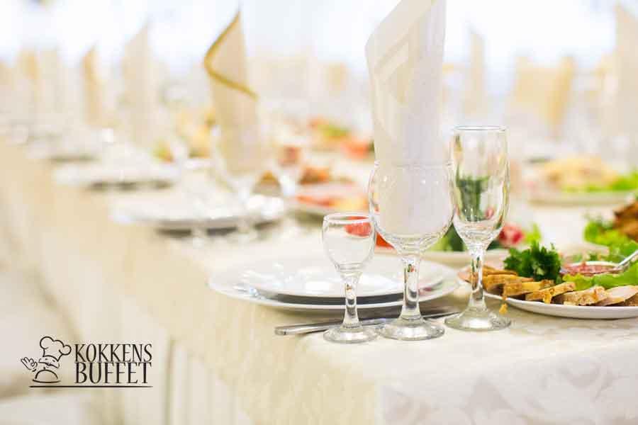 kokkens-buffet-forside-mad-til-fest.jpg